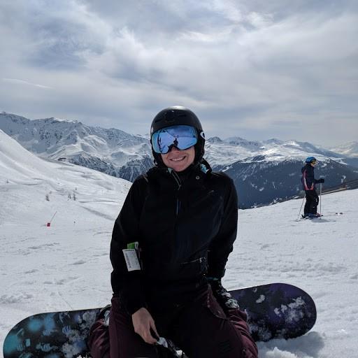 Les Alpes, pour les descentes dans un décor majestueux et aussi pour son après-ski