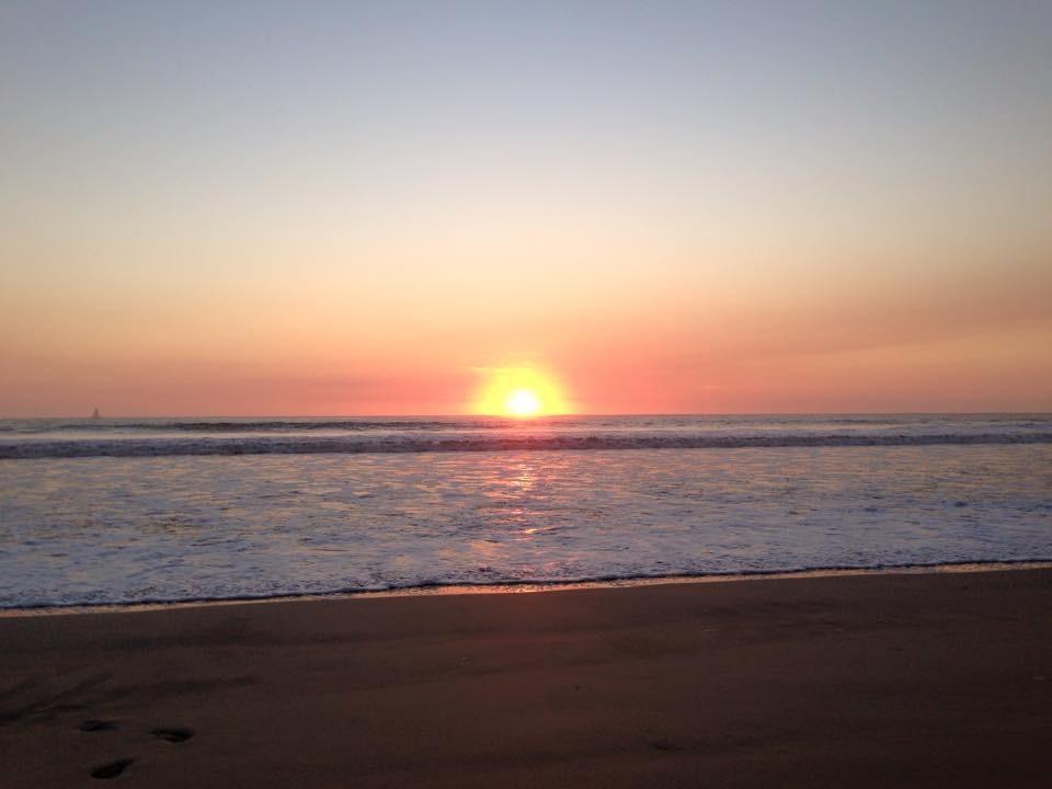 Santa Theresa au Costa Rica où les magnifiques couchers de soleil où tout s'arrête le temps d'un instant, l'atmosphère relaxe, le surf et le meilleur petit café au monde!