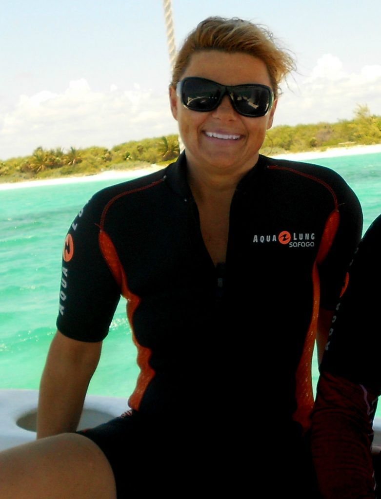 Roatan au Honduras, pour sa chaleur annuelle, ses plages et ses sites de plongées sous-marine mémorables et sa conscience de la conservation écologique.