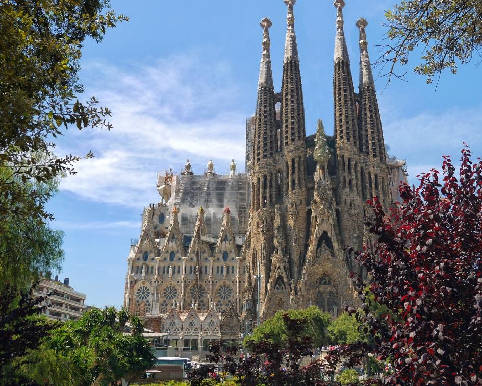 """L'Espagne, pour son architecture, ses tapas, ses nombreux vignobles et le """"nightlife"""""""