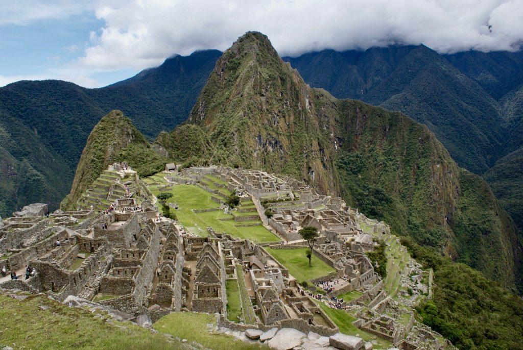 Le Pérou offre un dépaysement garanti. Le Machu Picchu et la Vallée sacrée : des must à mettre sur sa bucket list.